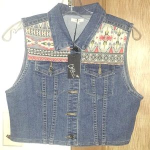 Cropped Sleeveless denim jacket with Aztec designs